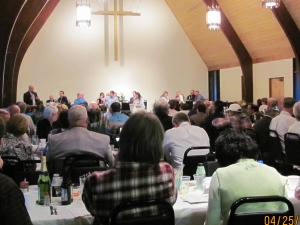 Diners at the 2012 Farmer-Neighbor Dinner